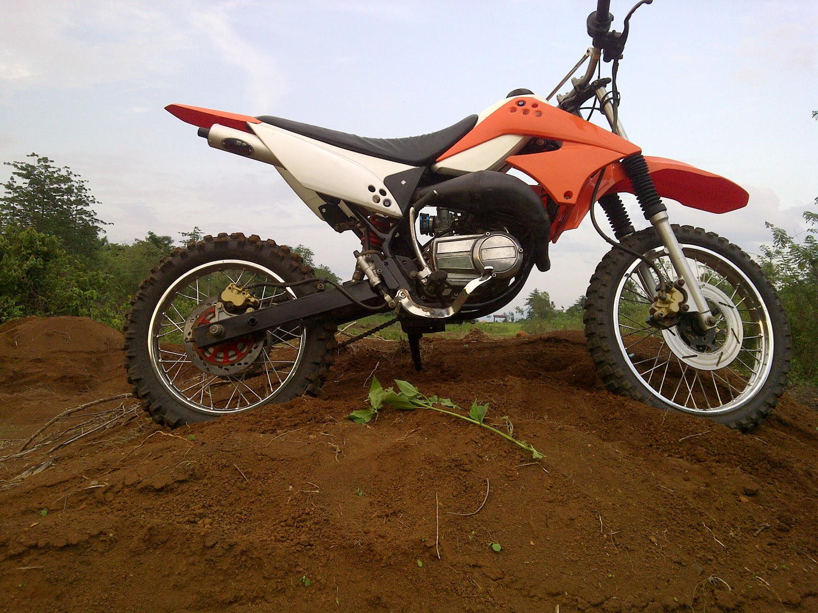 Modifikasi Motor Trail Yamaha RX S