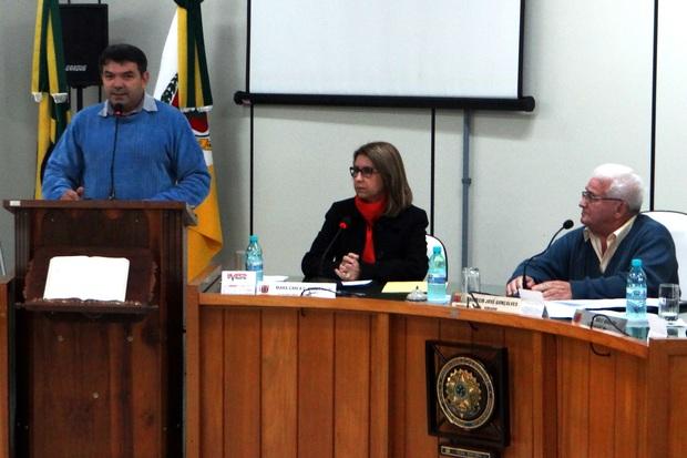 Vereadores aprovam reposição salarial do funcionalismo.