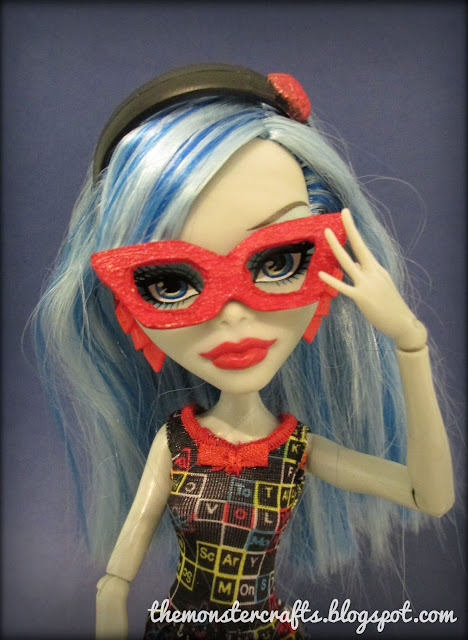 Ghoulia new doll glasses