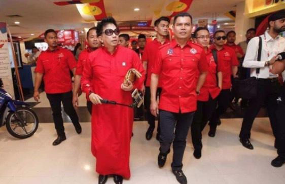 Azwan Ali Sebak Hilang 'Job' Gara-Gara Sokong Azmin Ali