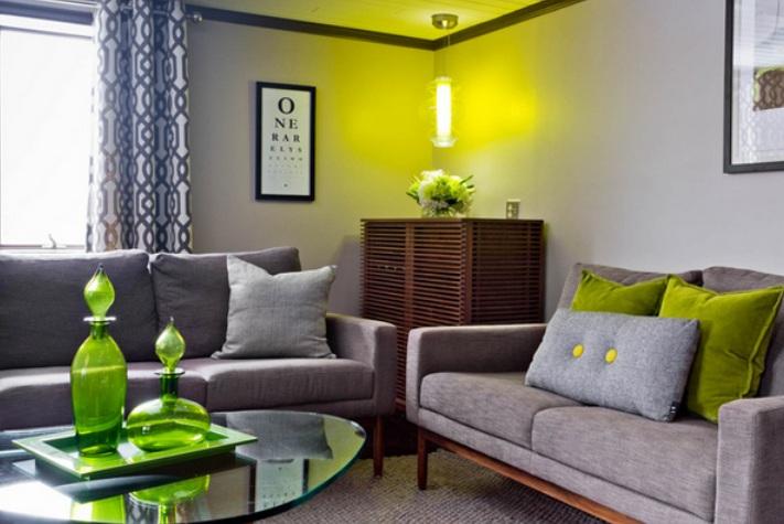 4 Dieses Moderne Familienzimmer Befindet Sich In New York Hat Schick Aussehende Getuftete Leder Osmanischen Die Dient Als Ein Couchtisch Sehr Leichten