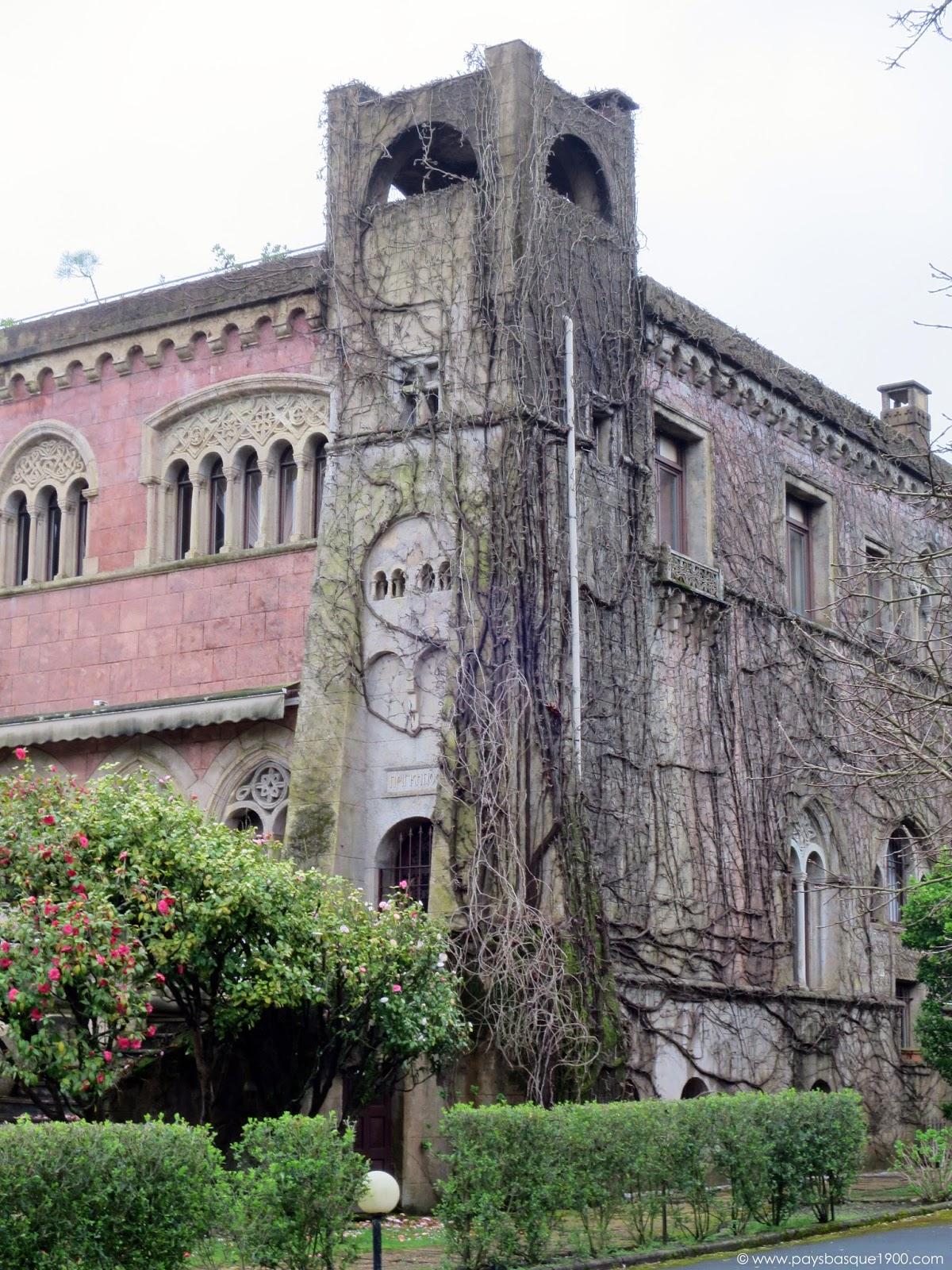 Visite pays basque la villa prinkipo anglet for Autour de la maison anglet