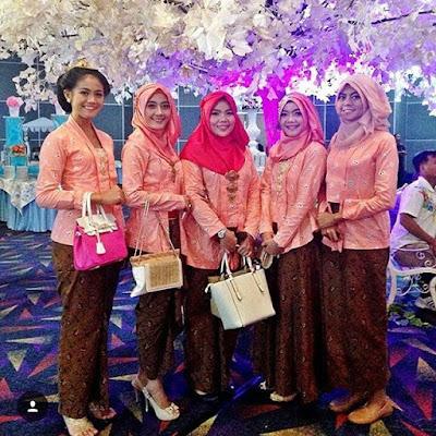 Model Kebaya Jumputan Batik Modern Hijab