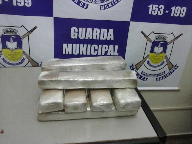 Guarda Municipal de Dourados (MS) apreende menor por tráfico de drogas no Terminal Rodoviário