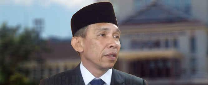Gubernur Maluku Said Assagaff mengatakan Presiden Joko Widodo mengarahkan pemerintah provinsi (Pemprov) Maluku agar mempersiapkan Sumber Daya Manusia (SDM) lebih dahulu sebagai bagian dari upaya mendirikan Institut Teknologi Ambon (ITA).