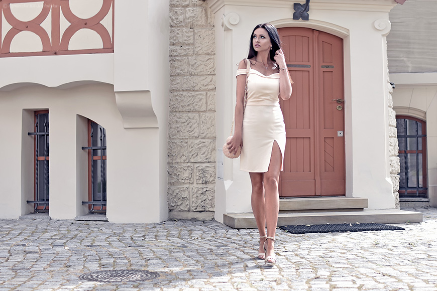 4013774bb4 Agowe petitki  Historia pewnej sukienki