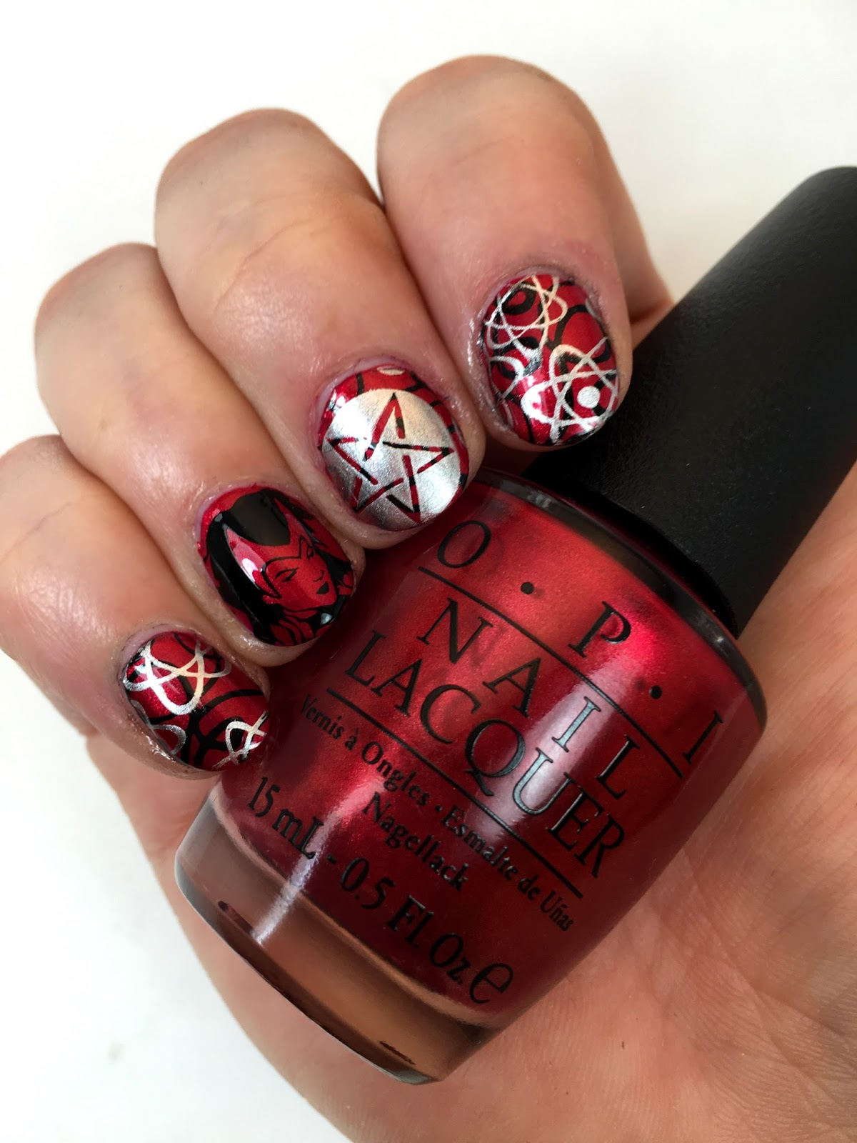 I\'m beautiful, dammit!: The 31 Day Nail Art Challenge 2016: Day 1 - Red