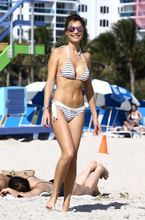 Julia-Pereira-in-Bikini-in-Miami-115+%7E+SexyCelebs.in+Exclusive.jpg