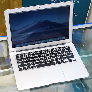 "MacBook Air Core i5 13"" Early 2015 Bekas"