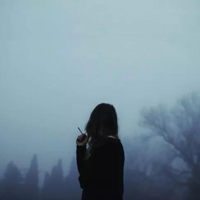 69+ Hình Ảnh Buồn Một Mình Con Gái Cô Đơn & Tâm Trạng Không Tốt
