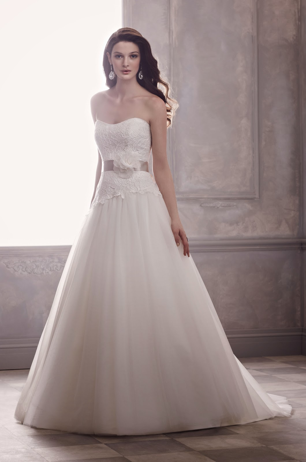 Wedding Concept Ideas Tips On Choosing The Wedding Dress