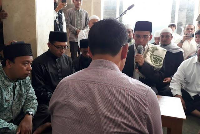 TGB Bimbing Syahadat Calon Mualaf di Yogyakarta