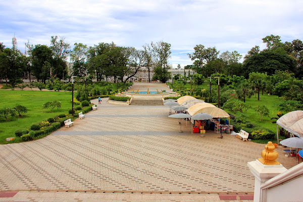 Chao Anouvong park Vientiane