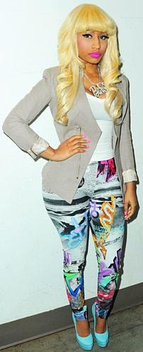 Foto de Nicki Minaj posando de pie