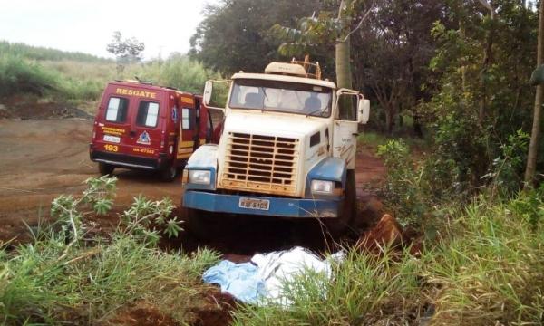 Motorista morre ao ser atropelado pelo próprio caminhão que conduzia na vicinal Guaçu x Itapira