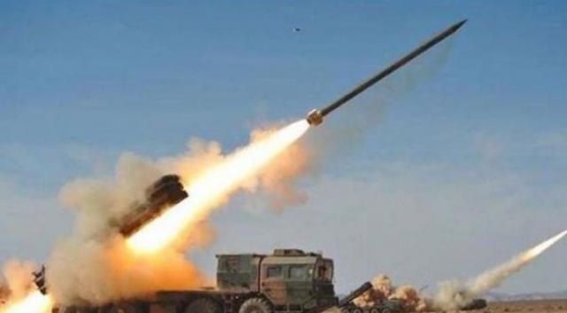 عاجل .. جماعة الحوثي تطلق صاروخ باليستي