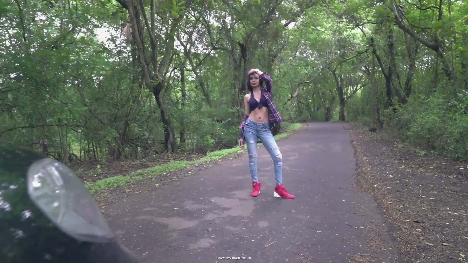 Sherlyn Chopra in sexy jeans, Sherlyn Chopra sexy waist, Sherlyn Chopra navel