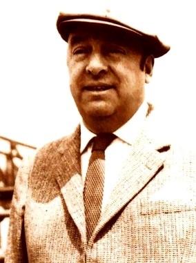 Imagen de Pablo Neruda con saco y corbata