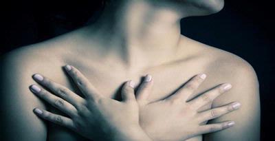 Rasa tidak tenteram dan nyeri pada payudara yaitu gangguan pada payudara yang sering diala Nyeri Payudara, Perlukah Diwaspadai?