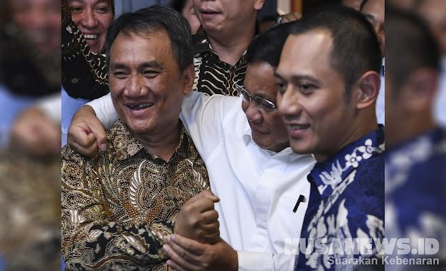 Dirangkul Prabowo, Ini Kata Andi Arief