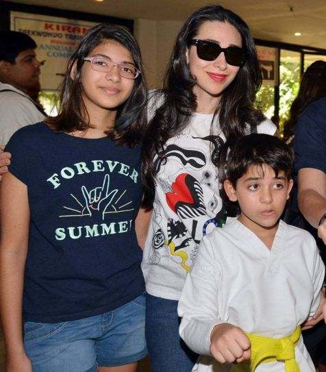 Karisma brings son Kiaan for lunch date with friends.