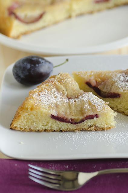 fettine di torta con le prugne