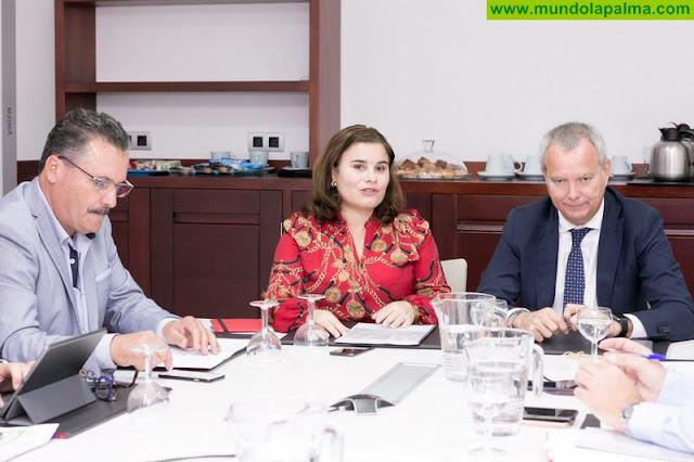 La FECAM ofrece al consejero Sebastián Franquis su colaboración para poner en marcha el Pacto Social y Político por el Acceso a una Vivienda Digna en Canarias