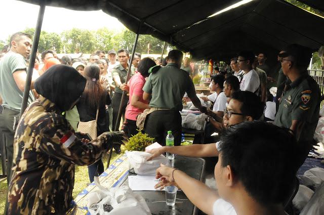 Pasar Murah Diserbu Warga Usai Dibuka Pangdam IX/Udayana