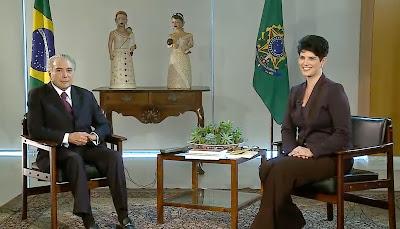 A apresentadora Mariana Godoy e o presidente Michel Temer - Crédito/Foto: Divulgação/RedeTV!