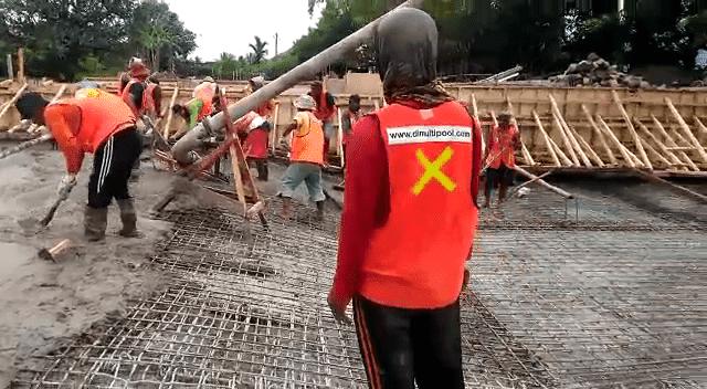 Proses pengecoran proyek hotel danau Dariza Garut
