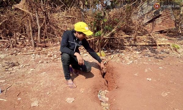 Gia Lai: Dân hoang mang vì đất nứt bất thường