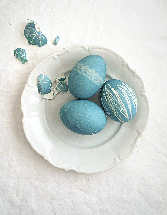 Natural dye Easter egg photo by Kreetta Järvenpää www.gretchengretchen.com