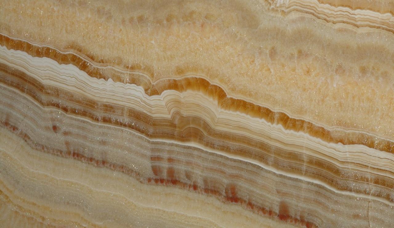 emily y elena con la misma piedra arte y geolog a