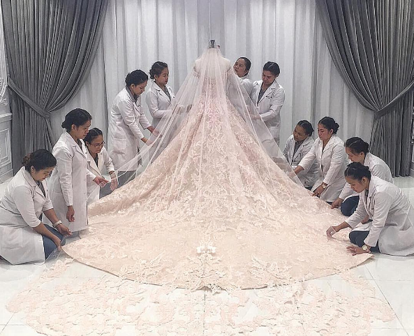 vicki belo hayden kho wedding 2017 micheal cinco couture blush dress gown belo medical group net worth 3 meter long train french lace fully embroidered baroque parttern transparent rose opan swarovski crystals bride