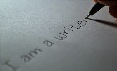 pentingnya menulis
