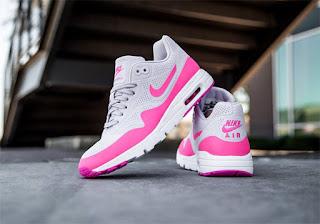 Sneakers Yang Wajib Kamu Miliki