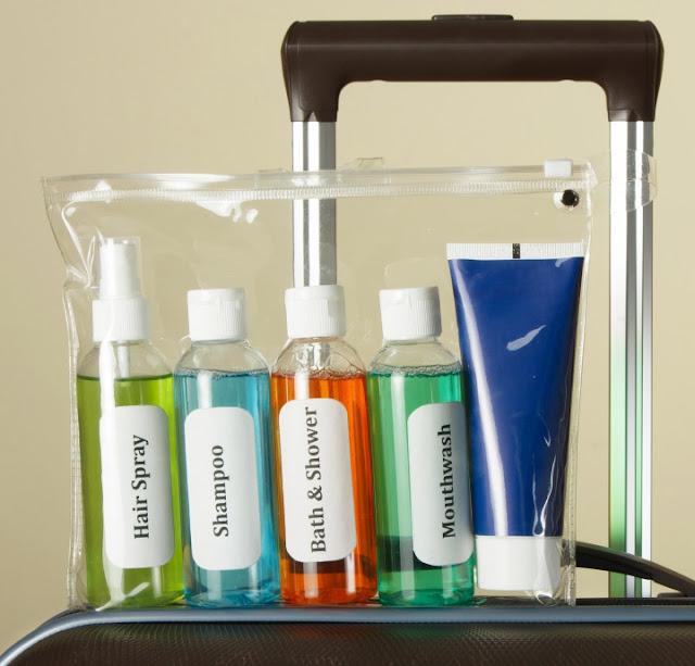 Neceser de viaje: trucos para viajar con cosméticos, maquillaje y líquidos en el equipaje de mano