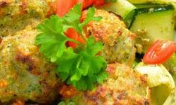 Mėsos kukuliai su daržovėmis