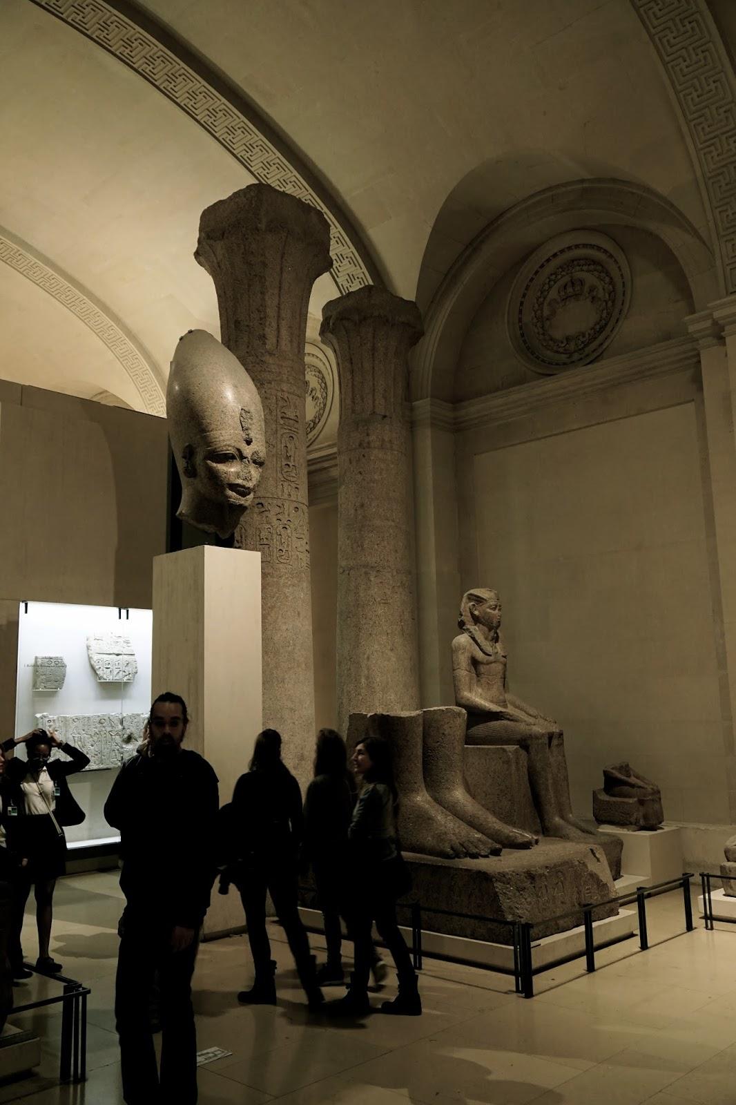 ラムセス2世座像