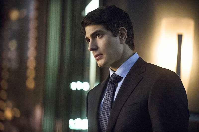 Ray Palmer, That Suit Details on ARROW Winter Finale