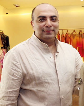 Bollywood Slides Tarun Tahiliani Is A Indian Fashion Designer