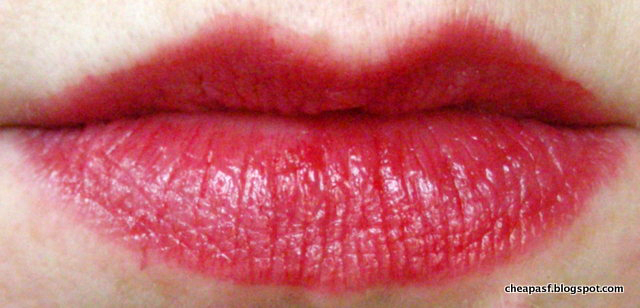Lip swatch of H&M Lip Pencil in Red/Million Dollar Smile