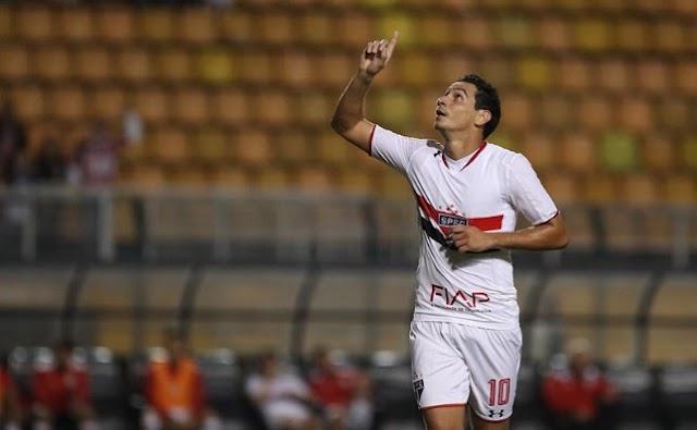 Voou! Com golaço de Ganso, São Paulo assume a liderança do Grupo C