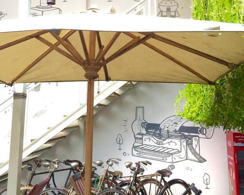 Tinuku Adhisthana Hotel combines room design classic ethnic and modern minimalist style