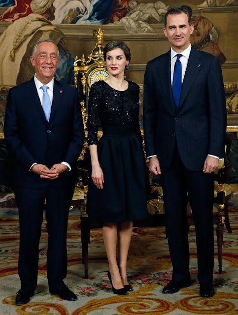 King Felipe VI of Spain and Queen Letizia of Spain receive Portugals President Marcelo Rebelo de Sousa before a gala dinner held at the Royal Palace in Madrid