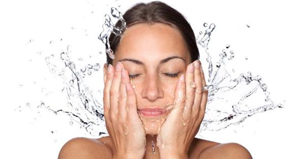 Doğru Yüz Temizliği Nasıl Olmalı?