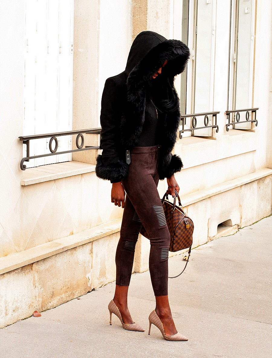 manteau-court-capuche-fourrure-sac-speedy-louis-vuitton