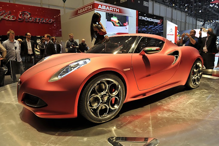 Look At the Car: 2013 Alfa Romeo 8c