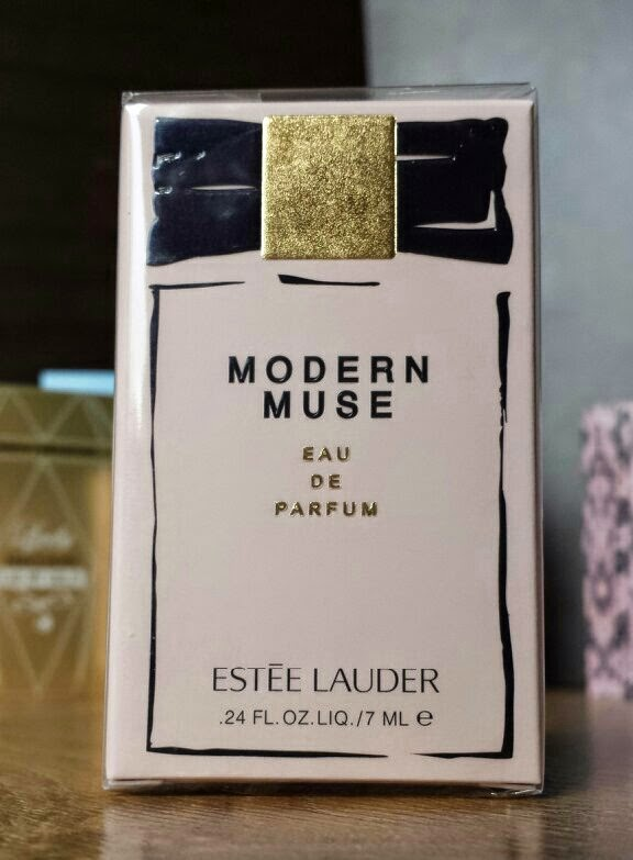 Estee Lauder - Modern Muse - The Fragrance Shop Discovery Club Classics Collection