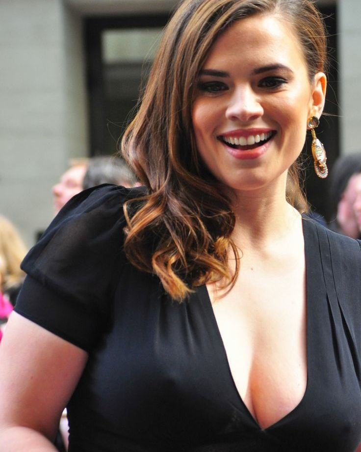 Hayley Atwell Hot Photos
